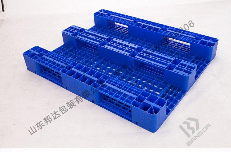 川字塑料托盘的特点有哪些?川字托盘是什么样的?