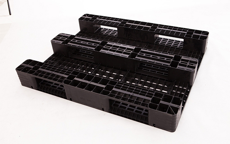 山东托盘厂家:川字塑料托盘的结构特点和应用优点