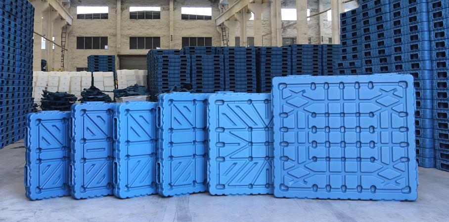 九脚吹塑托盘是一种发展迅速的塑料加工而成型的产品